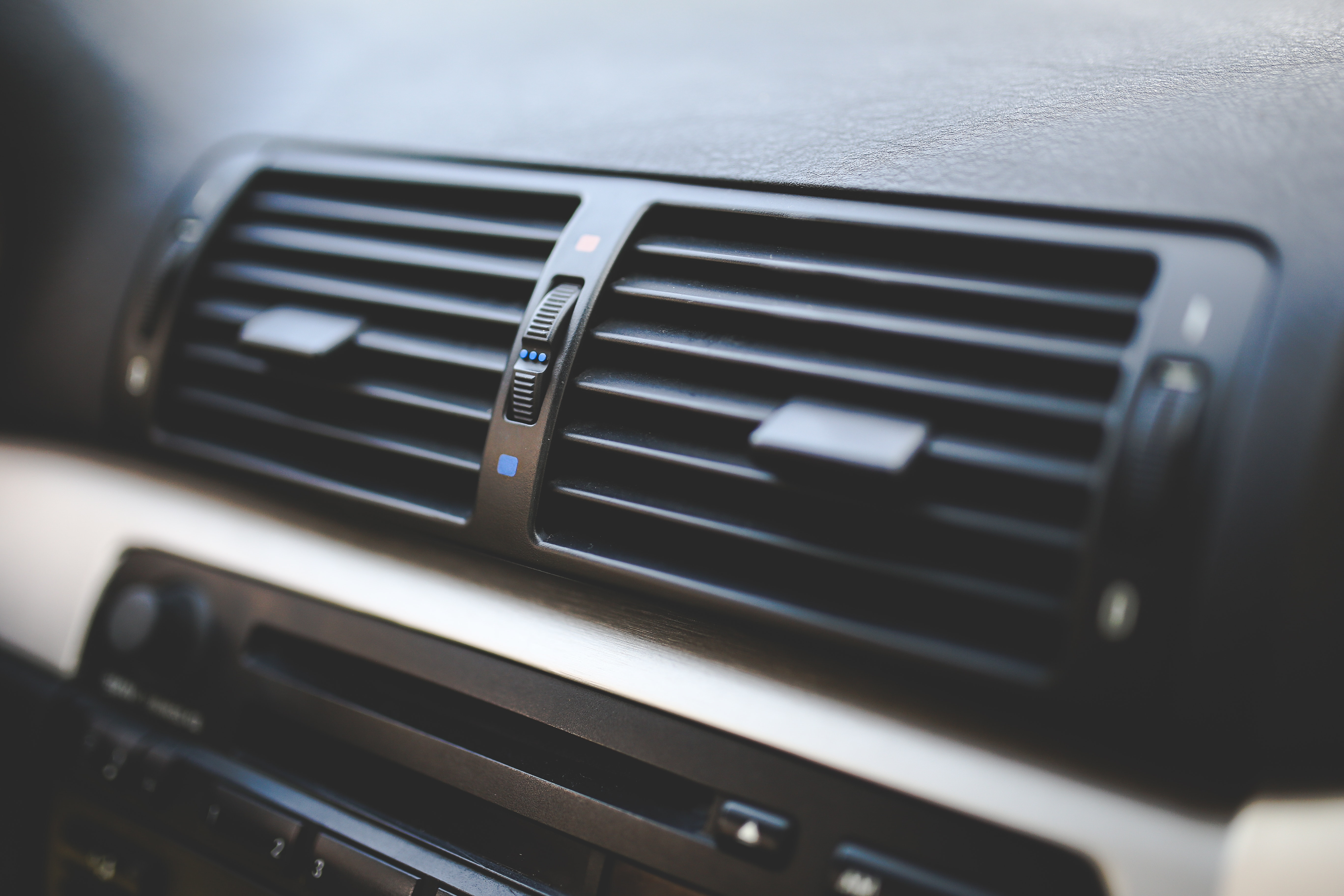 4 Signs Your A/C is on the Way Out